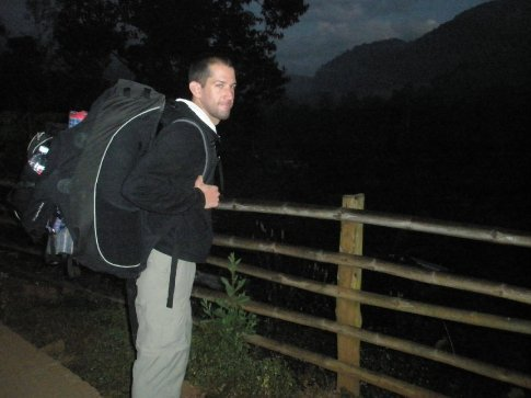 Leaving the Cave Lodge at 7am... My bag is too big!