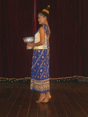 Traditional Laolume dance to greet the guests.
