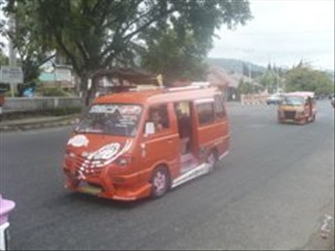 One of the thousands of other pimped up vans in Padang