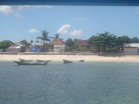 Lembogan tropical setting
