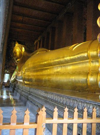 Wat Pho (Temple of the Reclining Buddha) - it's huge!