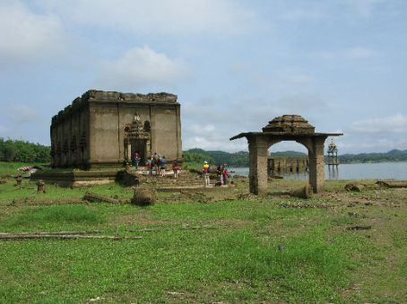 The sunken temple (a temple that was flooded after the erection of a dam, and that has since remained half underground).