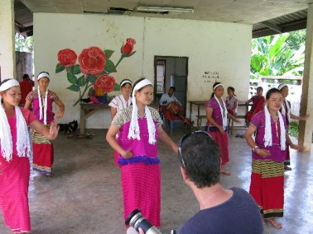 Welcome dance by Karen village