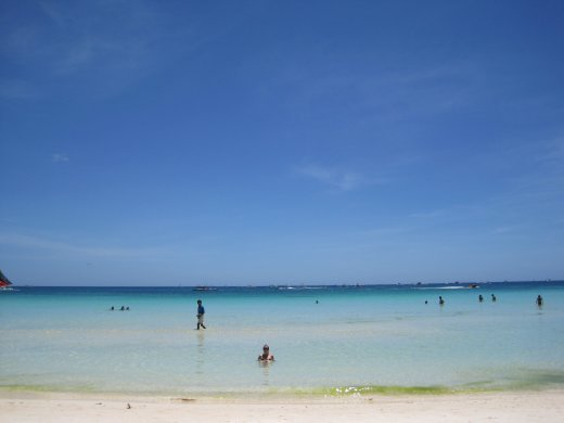 What can we say???? The bluest, clearest water we have ever seen in our lifes!!!!!