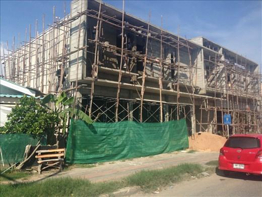 More bamboo scaffolding