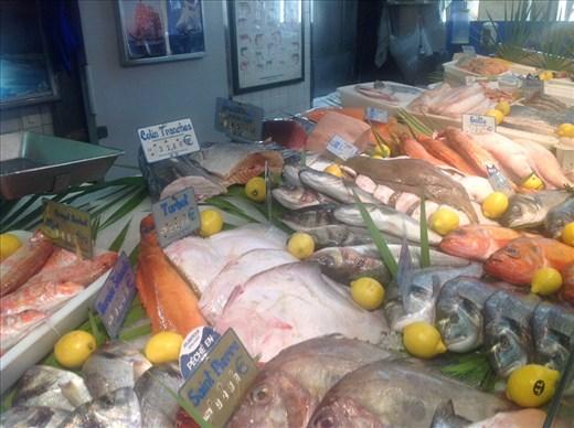 Fresh fish, local market Paris