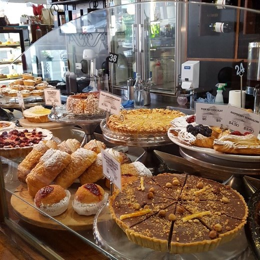 Cakes and pastries in Daci and Daci, Hobart