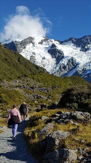 Walking Mt Cook
