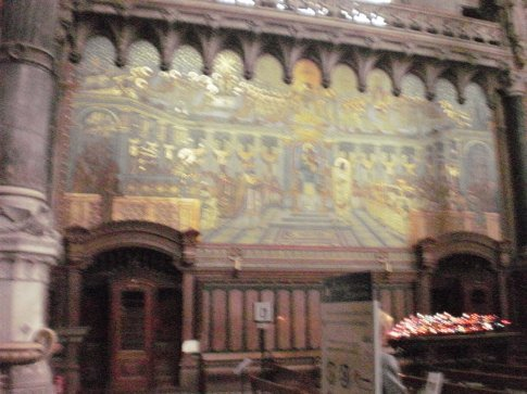 can´t see it clearly, but most of the walls are mosaics done with bits of coloured ceramic
