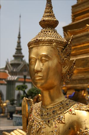 Inside the Grand Palace.  The whole place is spectacular and adorned with more shiny things than a magpies nest