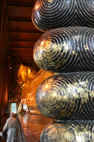 The worlds largest indoor Buddha - its insode Wat Po in Bankok