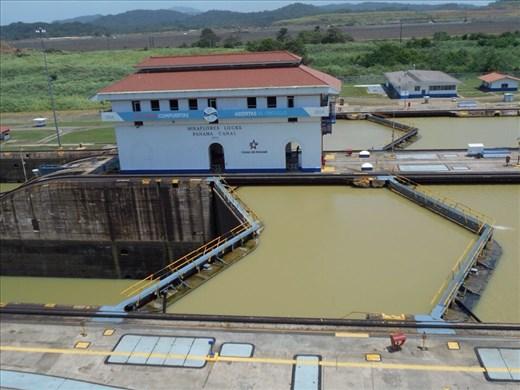 Postcard picture. Miraflores Locks.