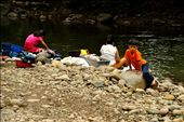 Kids accompany their families to do the laundry in the contaminated river: by jotade, Views[166]