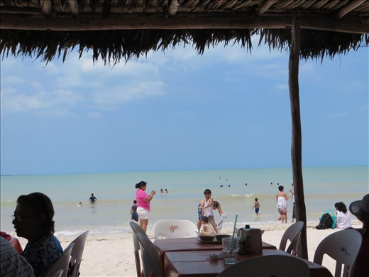 Lunch on beach - Progresso