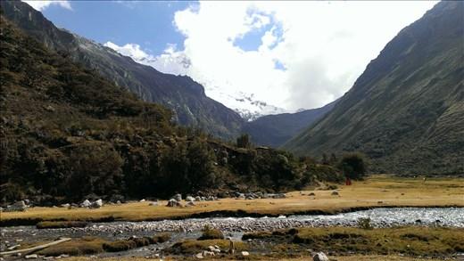 View of hike area up to Laguna 69 - near Huarez