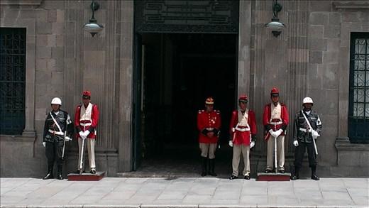 La Paz - guards outside government building