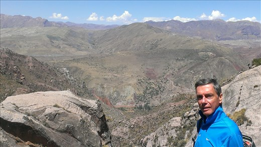 Sucre - hiking down old inca trail nearby