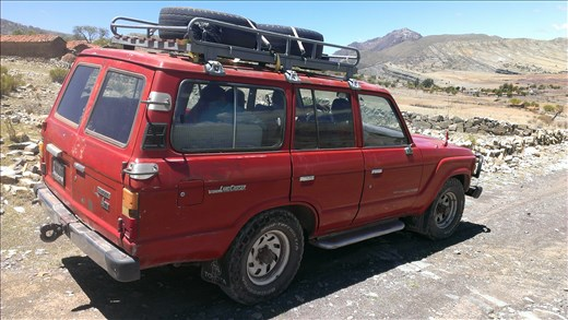 Sucre - Landcruiser  for tour - could be in oz.