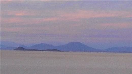 SFT - Day 4 - Uyuni salt flat in early morning light