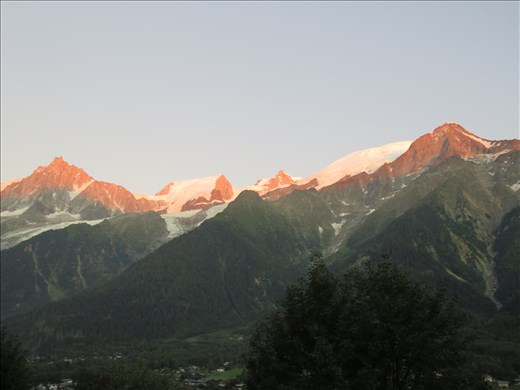Les Houches - same Alps view - sunset - hotel balconey
