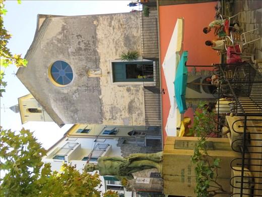 Cornigilia - same piazza - different angle - b/fast time