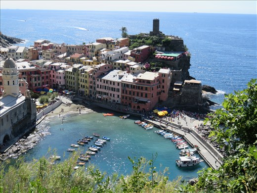 Vernazza - looking back on way to Monterosso