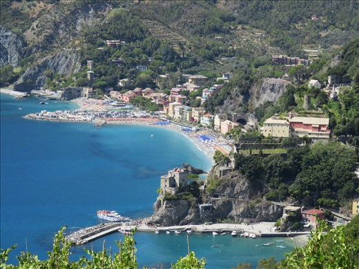 Monterosso - looking down on approach