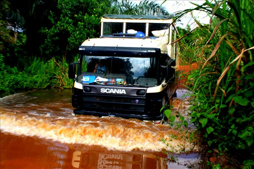 Crossing into Cote d'Ivoire was an adventure in itself. Our destination was Man, a mere 60 km away. Unfortunately, we were only able to travel 5 km an hour do to washout or broken bridges, and nonexistent roads.