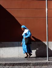 A quick snap of passerby creates an eye-catching contrast: by justynaphotos, Views[163]