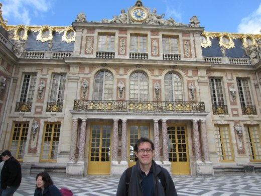 Mi tarro al frente del Château de Versailles.