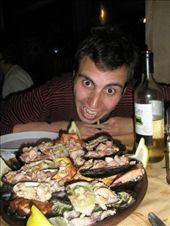 La cena más cara del viaje. Una mariscada como pocas he comido (menos de 15€ cada uno, eso sí). En Castro, Chiloé.: by k-lero, Views[881]
