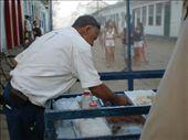 Y el hombre que vendía los dulces típicos: by k-lero, Views[681]