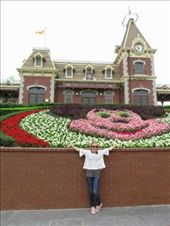 Disneyland entrance: by kailani_merrie, Views[104]