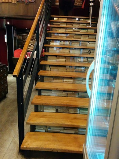 L'Edito stairs