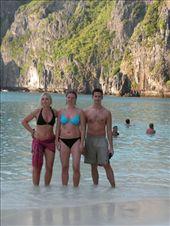 Maya Beach ved Phi Phi Island. Det var her de optog filmen The Beach: by karen_backpacking_in_asia, Views[147]