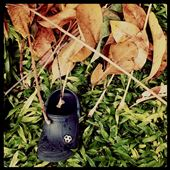 Random click, shoe of a kid,  lost and never found! : by kathakrishna, Views[180]