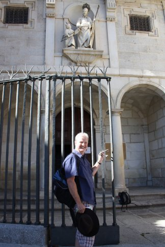 Paul with the keys to Iglesia Sant Jose; the keys that Santa Theresa is believed to have held.