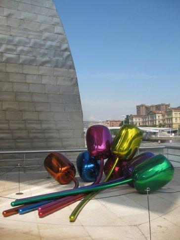 Jeff Koons aerial sculpture of 'Balloons'