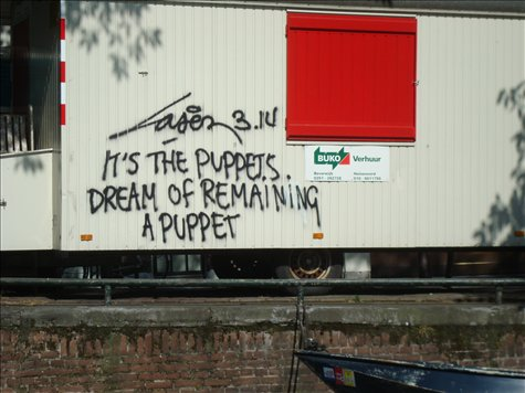 A random sign I saw on the side of a house boat while on a canal tour.