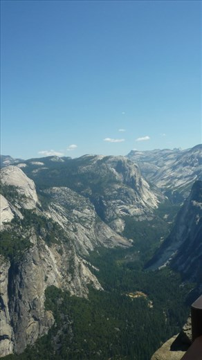 View across part of Yosemite NP.