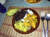 Chicken ccn vegetables, arroz y frijoles, ayotes, aguacate: by kendal00, Views[204]