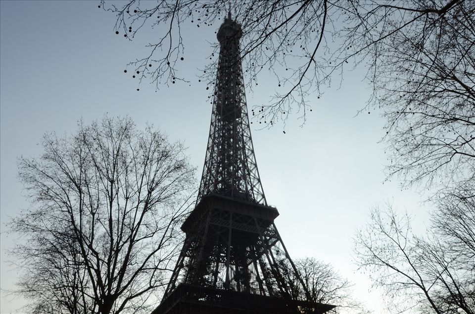 Eiffel Tower between its residual nature.