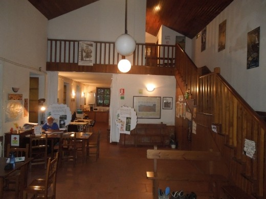 the common room and kitchen at Salamenca