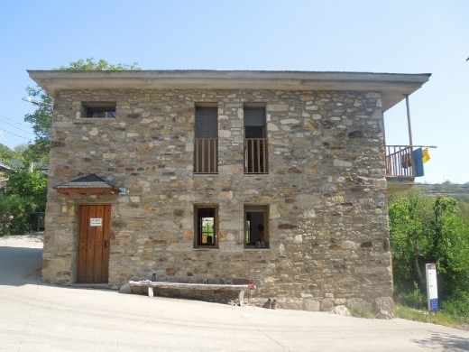 The albergue in Lubian