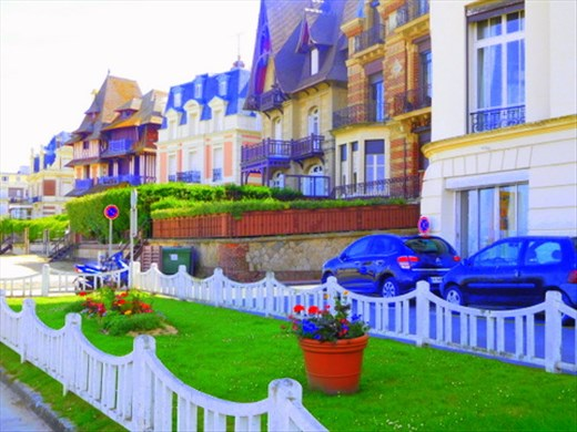 Homes lining beach at Trouville