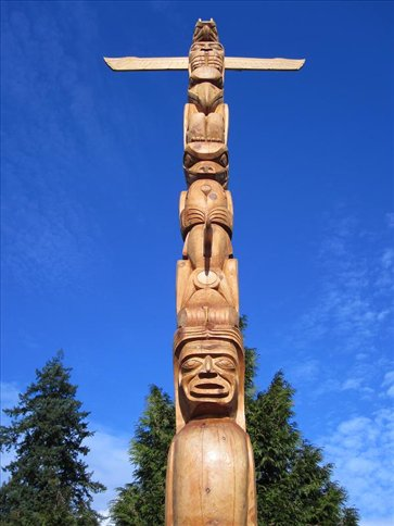 Totem pole in Stanley Park (Vancouver)