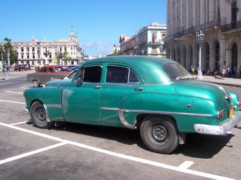 Classic car and Teatro Nacional