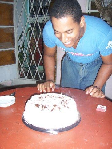 It's Angie's 26th birthday! Feliz Cumpleanos mi amigo!