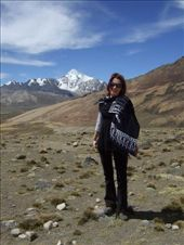 Laetitia, On the road to Chacaltaya, Bolivia: by klynne, Views[281]