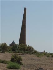 Konya Urgench Minaret - the tallest baked-brick minaret in Central Asia, now 60 m, but originally had at least another 3-4 m.: by krodin, Views[358]